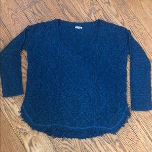 Woman's En Créme Sweater!